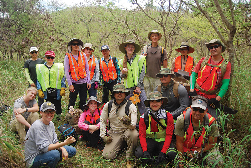 Group photo of the field school students and the author. Many of the students are from Oahu's leeward communities. Photo by Dr. William Belcher.